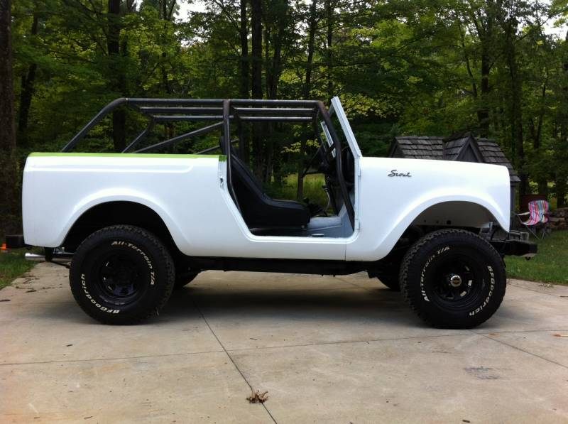 I H International Scout 800 Family Cage