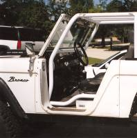 Assembled cage in Bronco